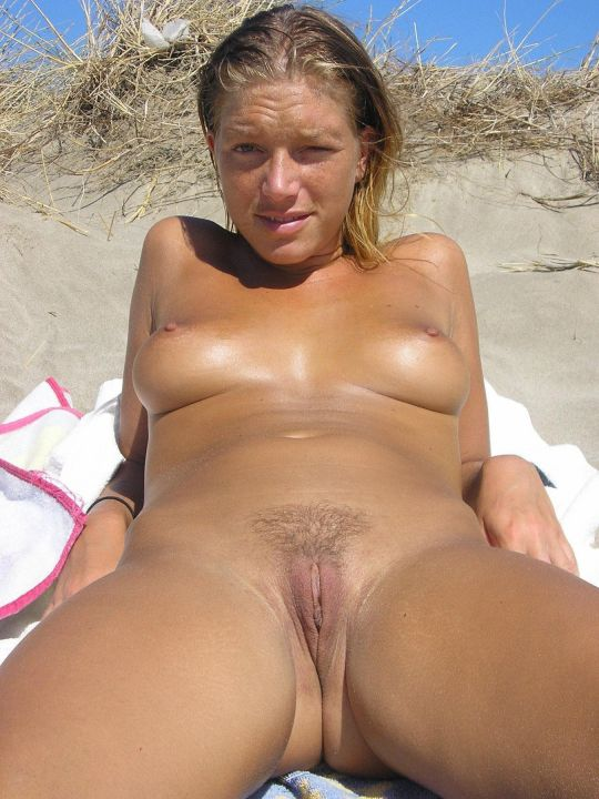 Amateur Nude At The Beach Nackt Am Strand Ixxx Com 1