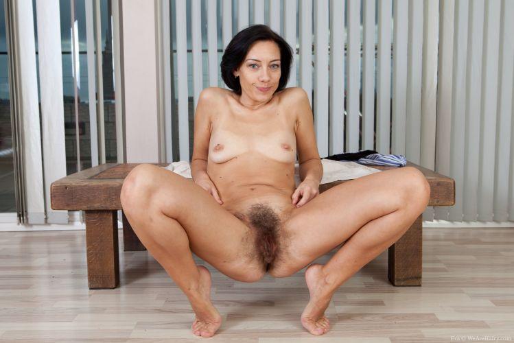 Solo girls porn pics